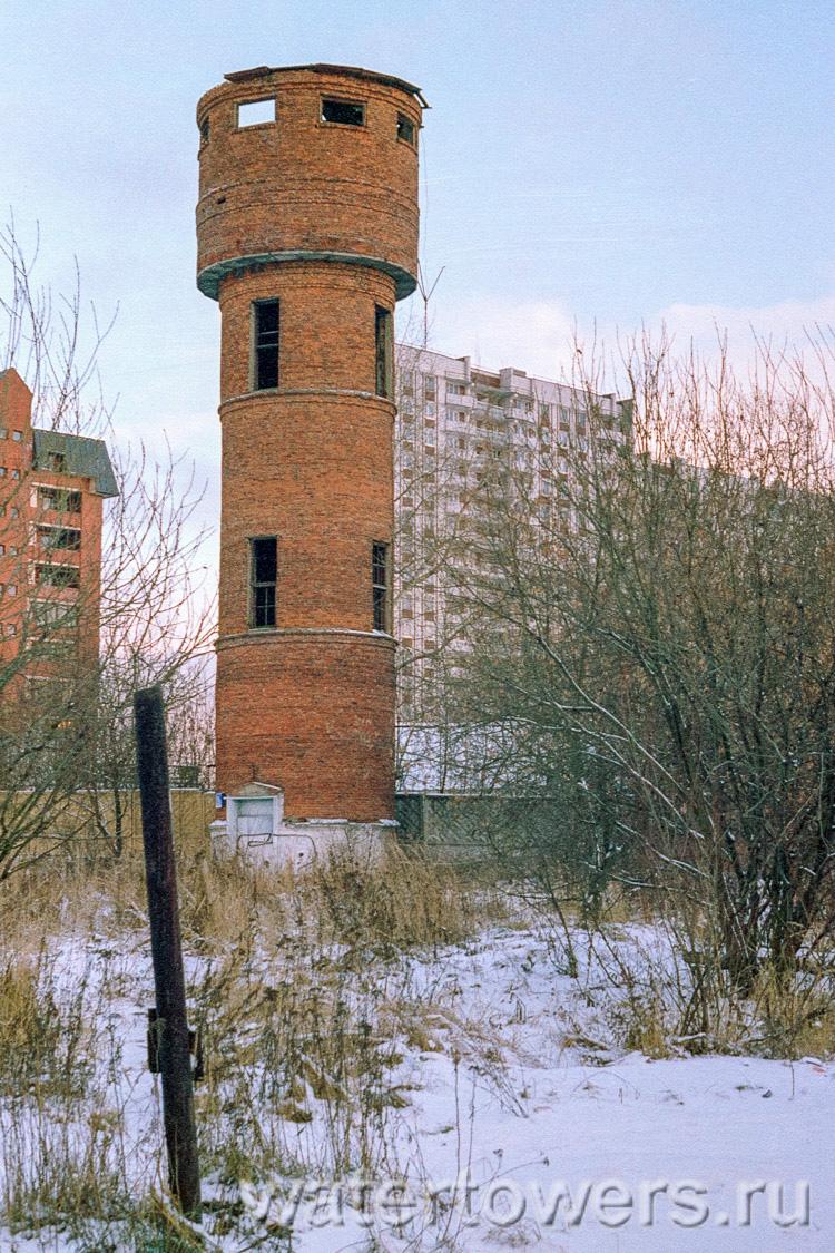 Водонапорная башня у метро балтийская