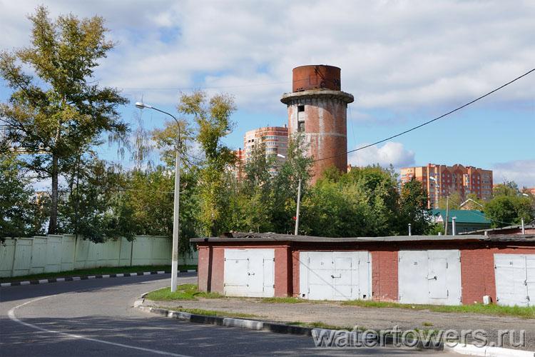 Заброшенная водонапорная башня в щербинке