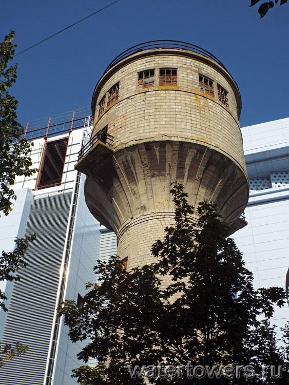 Водонапорная башня в условиях зимы